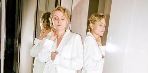52-летняя Рената Литвинова показала лицо без макияжа