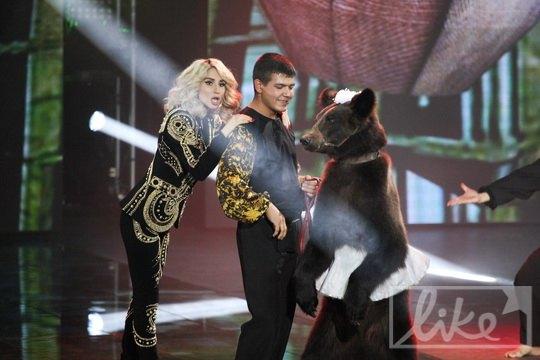 Светлана Лобода вывела на сцену животное