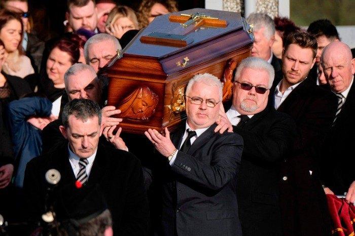 В Ирландии простились с Долорес О`Риордан