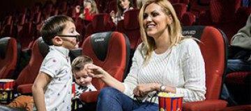 Яна Клочкова показала сыну говорящих чаек