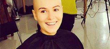 Мария Кожевникова удивила лысой головой