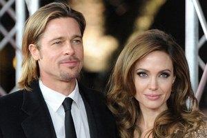 Джоли и Питт поженятся в августе