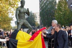 Жан-Клоду Ван Дамму установили памятник в Бельгии