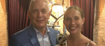 Катя Осадчая показала фото с отцом и сыном